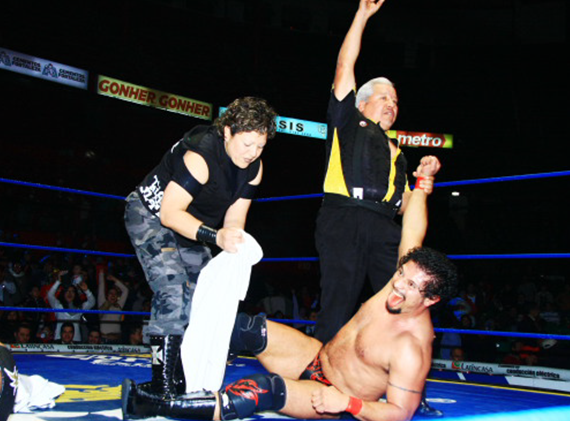 CMLL012213fp6